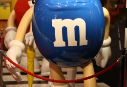 Giant M&M's on M&M's Road