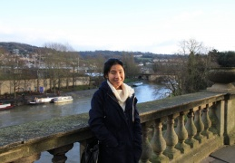 Elsa near Pulteney Bridge overlooking the River Avon