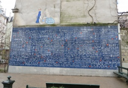 Le Mur des Je t'aime (I love you wall)